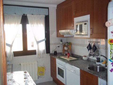 Geyka - PISO DE DOS HABITACIONES CON TRASTERO Y GARAJE - Geyka Inmobiliaria