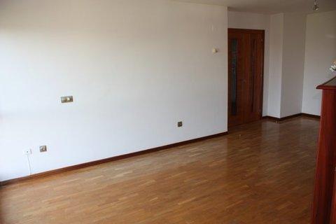 Geyka - PISO DE TRES HABITACIONES EN MONTEANA - Geyka Inmobiliaria