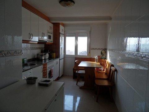 Geyka - PISO DE TRES HABITACIONES ALTURA CON ASCENSOR - Geyka Inmobiliaria